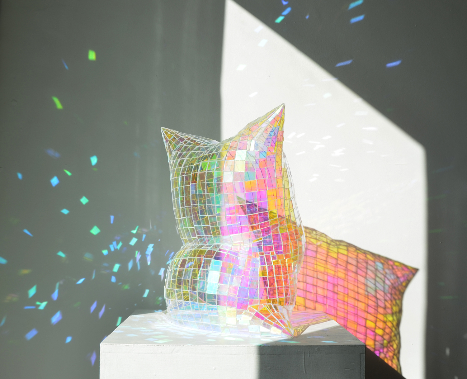 Item 193 - Roberts, Holograph Pillow